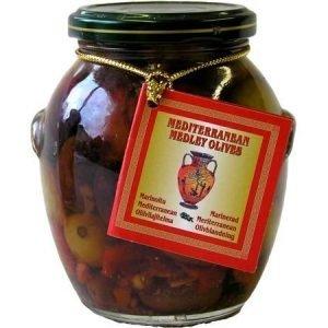 Marinoitu Mediterranean oliivilajitelma