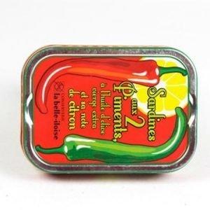 Sardiineja chilillä ja sitruunalla maustettuna